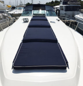 Sea Ray Sundancer 500 Quad-Sunpad in Sunbrella Navy